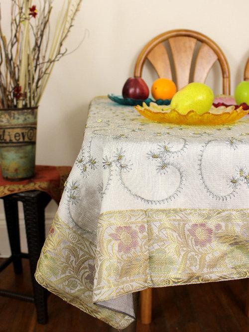 Exceptional Unique U0026 Decorative Tablecloths   Tablecloths