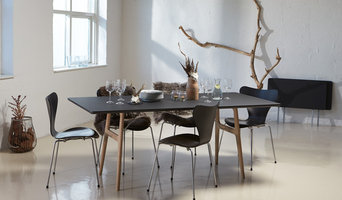 RM 13 – DINING TABLE