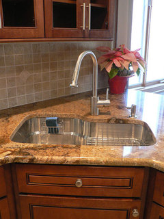 Granite seam in middle of sink? on