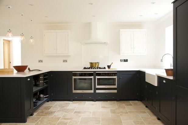 schwarze k che 21 elegante design ideen. Black Bedroom Furniture Sets. Home Design Ideas