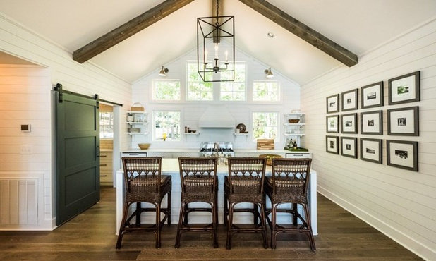 Farmhouse Kitchen by Holland Homes LLC