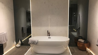 Contemporary free standing bathtub design