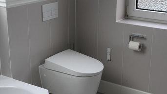 Bad mit 6-Eck Wanne, großer Dusche und Dachfenster
