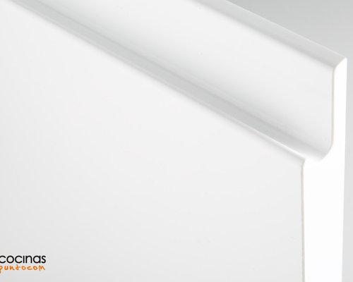 ¿Qué ventajas tienen los tiradores en forma de uñero con respecto a los convenci - Productos de cocina