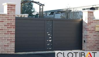 Installation d'un portail Alu avec décor Fresk inscrusté en découpe laser
