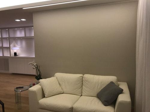 Mensole Dietro Al Divano : Come decorare la parete dietro il divano