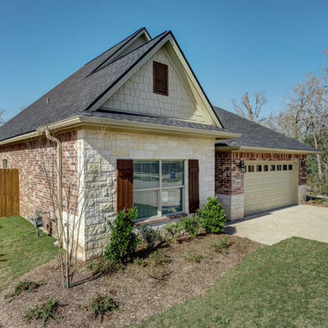 Craftsman Style home in Castlegate