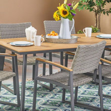 Trending Now: Outdoor Dining Sets and Separates