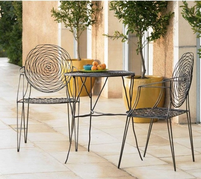 Contemporary Outdoor Seating: Almost Invisible Outdoor Furniture Lets Views Star