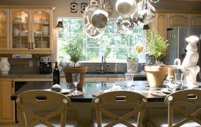 Pot Racks: Great Storage Solution for Small Kitchens