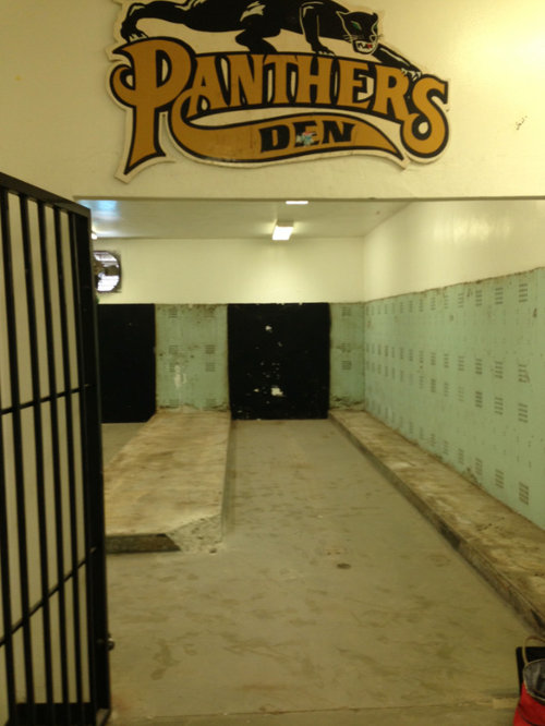 Peninsula High School Locker Room Makeover