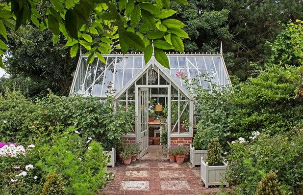 Viktorianisch  by Alitex Greenhouses and Conservatories