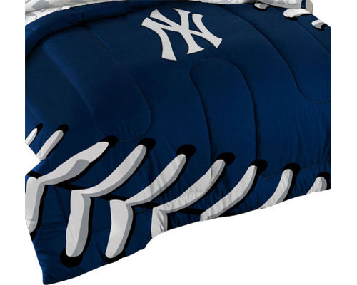The Northwest Company   3 Piece MLB New York Yankees NY Twin/Full Bed  Comforter
