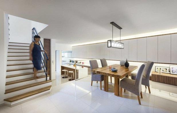 Modern Dining Room by akiHAUS Design Studio