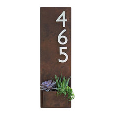 Soco Planter with Brushed Aluminum Numbers, Rust, Three Numbers