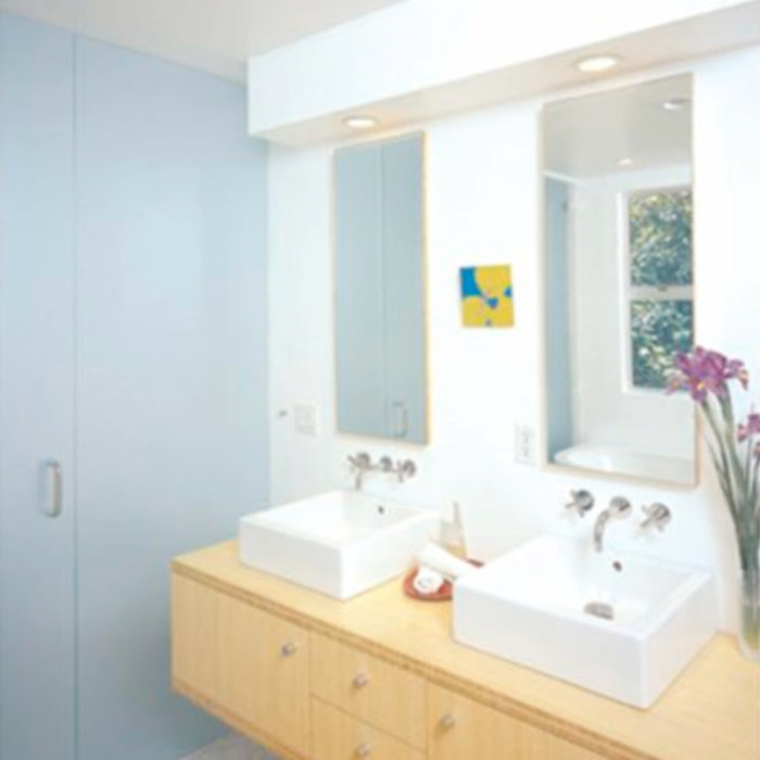 Bright & Modern Guest Bathroom