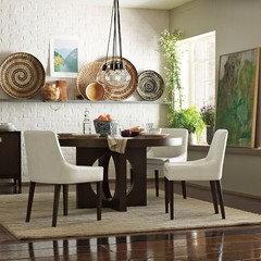 Rug Underneath Round Table