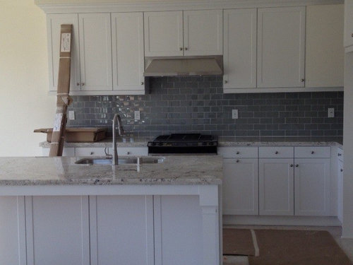gray kitchen backsplash advise with wall colors