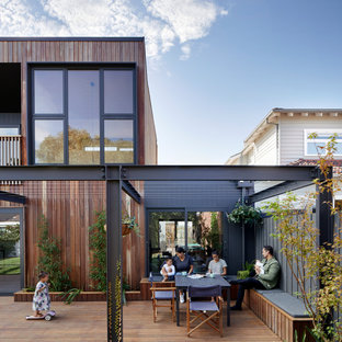 Inspiration for a contemporary deck in Melbourne.