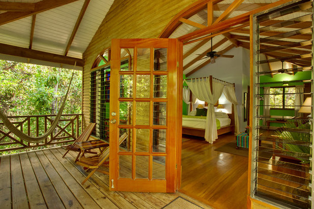 Dream spaces 11 amazing tree houses that you can stay in for Belizean style house plans
