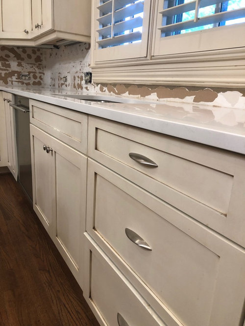 Countertops Too White For Cabinets