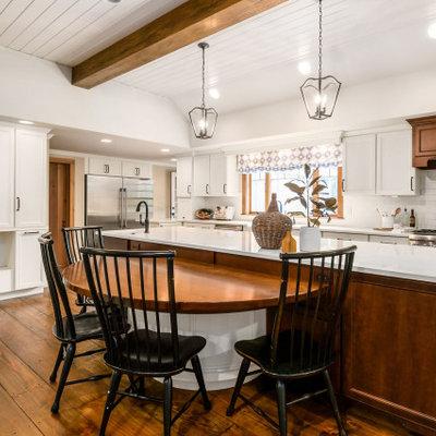 Elegant kitchen photo in Columbus