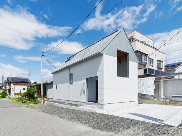 モダン  by 齋藤和哉建築設計事務所