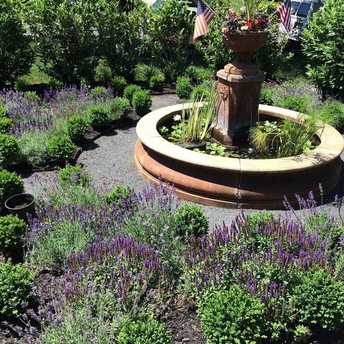 Water Fountain Garden & Parterres