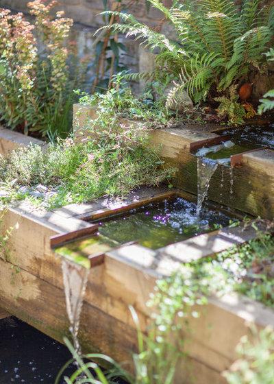 Rustic  by Simon Orchard Garden Design