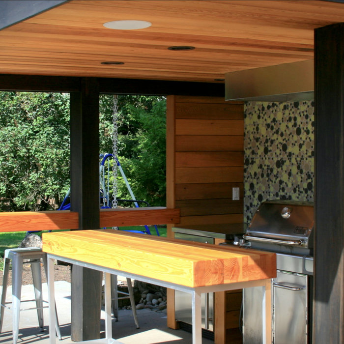 Covered outdoor kitchen patio