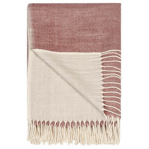 Abigail Plain Throw With Set of 2 Cushion Covers, Soft Pink