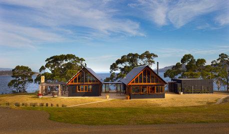 Houzz Tour: Tasmanian Pavilion Home an Ode to Local Apple Sheds