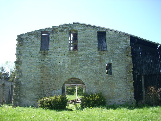 Houzz Tour: Taking on the Ruins of an 1800s Bourbon Distillery