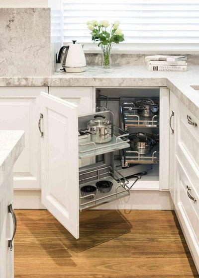 Классический by Scavolini Kitchen, Living and Bathroom