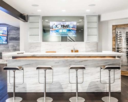 Bancone bar moderno con top in marmo foto idee arredamento for Ristrutturare bancone bar
