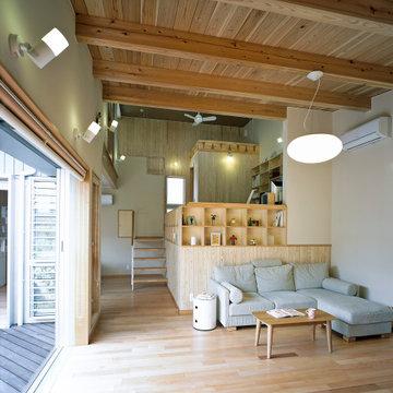 スキップフロアの家スキップ/自然素材の家