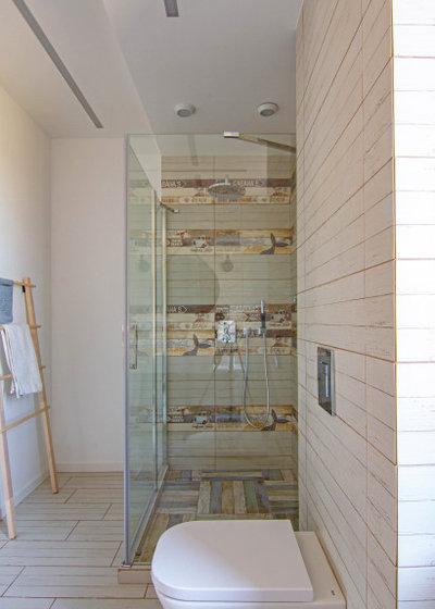 Современный Ванная комната by BALKA STUDIO
