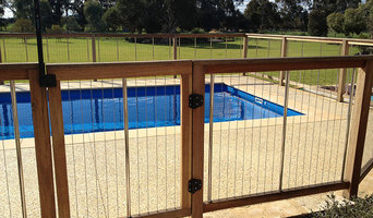 Timber Pool Fencing with Steel Cables