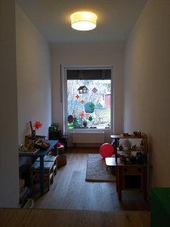 Es Fehlt Noch Das Sitzfenster Und Ein Regal In Hausform Bei Den Kindern Ist Der Tieferliegende Mit Dem Garten Direkt Auf Augenhhe Raum Sehr Beliebt