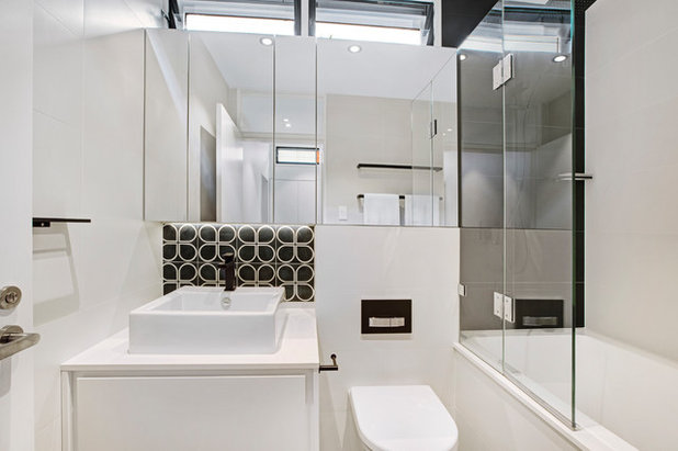 Contemporary  by MM+J Architects