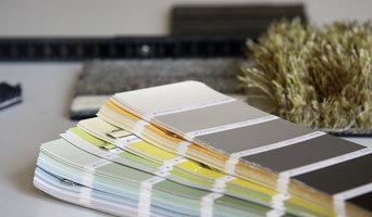 Wohneratung für Möbel, Farben und Materialien