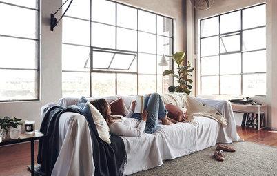 ソファのお悩み解決! 気に入らないソファを素敵に部屋にフィットさせる12の方法