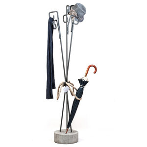 Curl Clothes Stand
