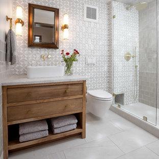 Foto di una stanza da bagno chic con consolle stile comò, ante in legno scuro, doccia alcova, piastrelle grigie, piastrelle diamantate, pareti grigie, pavimento bianco, doccia aperta e top bianco