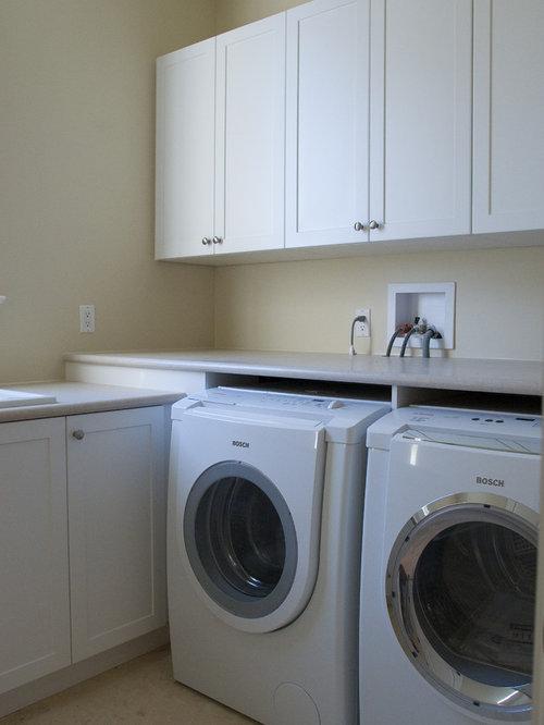 hauswirtschaftsraum mit integriertem waschbecken und. Black Bedroom Furniture Sets. Home Design Ideas
