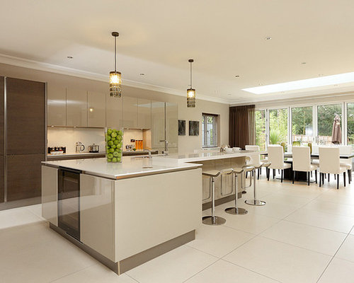 Kitchen Design Ideas Renovations Photos With Beige Cabinets And Porcel