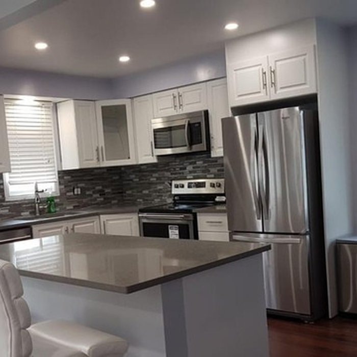 Inspiration for a kitchen remodel in Toronto