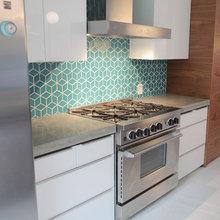 A midcentury modern kitchen renovation in a 1959 Eichler Home!