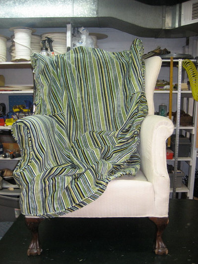 Traditional  by Blawnox Upholstery