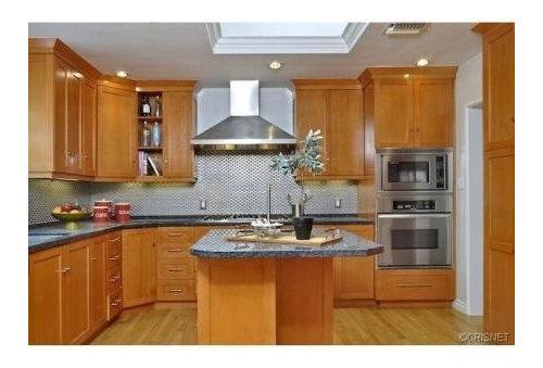 Kitchen cabinets, semi or high gloss